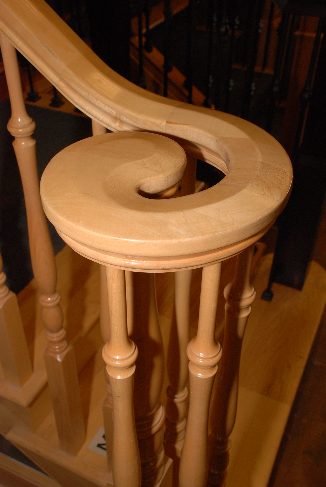 Pin top newel with Volute